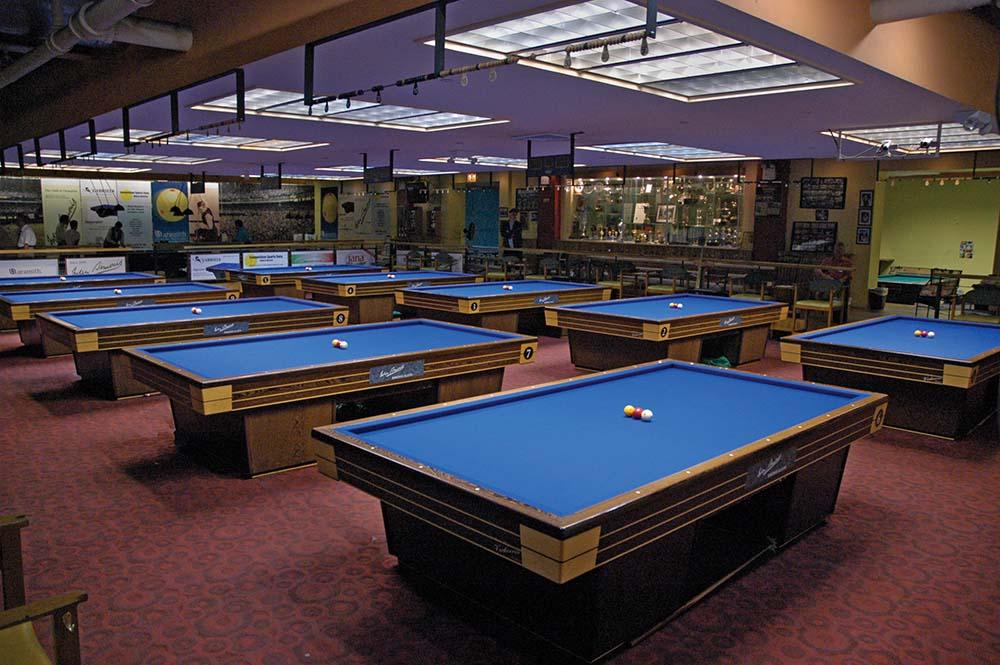 Carom League - Carom pool table